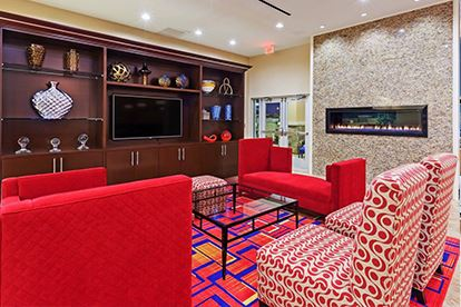 Holiday Inn_Lobby