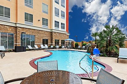 Holiday Inn_Pool