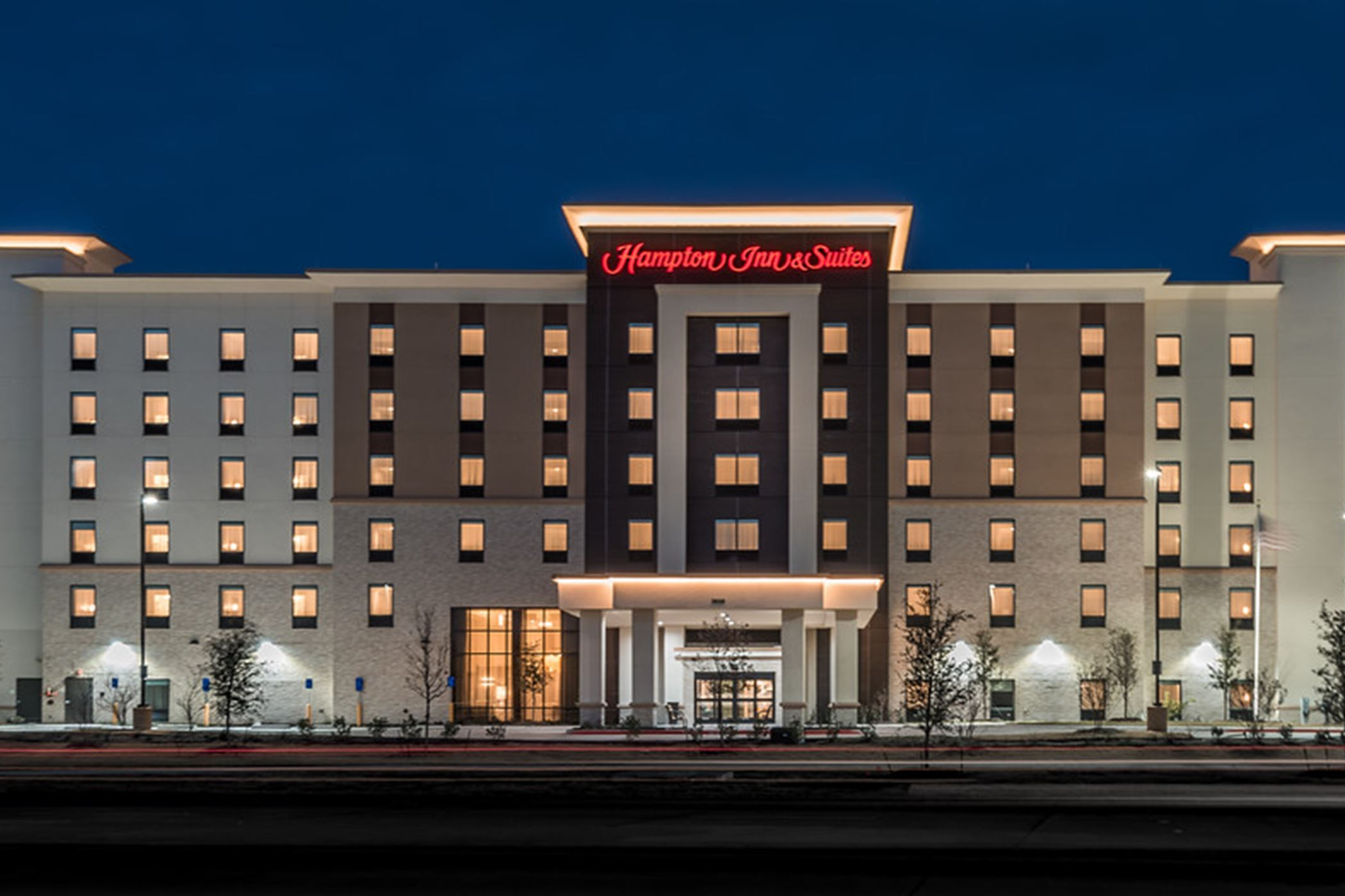 Hampton Inn and Suites - Exterior