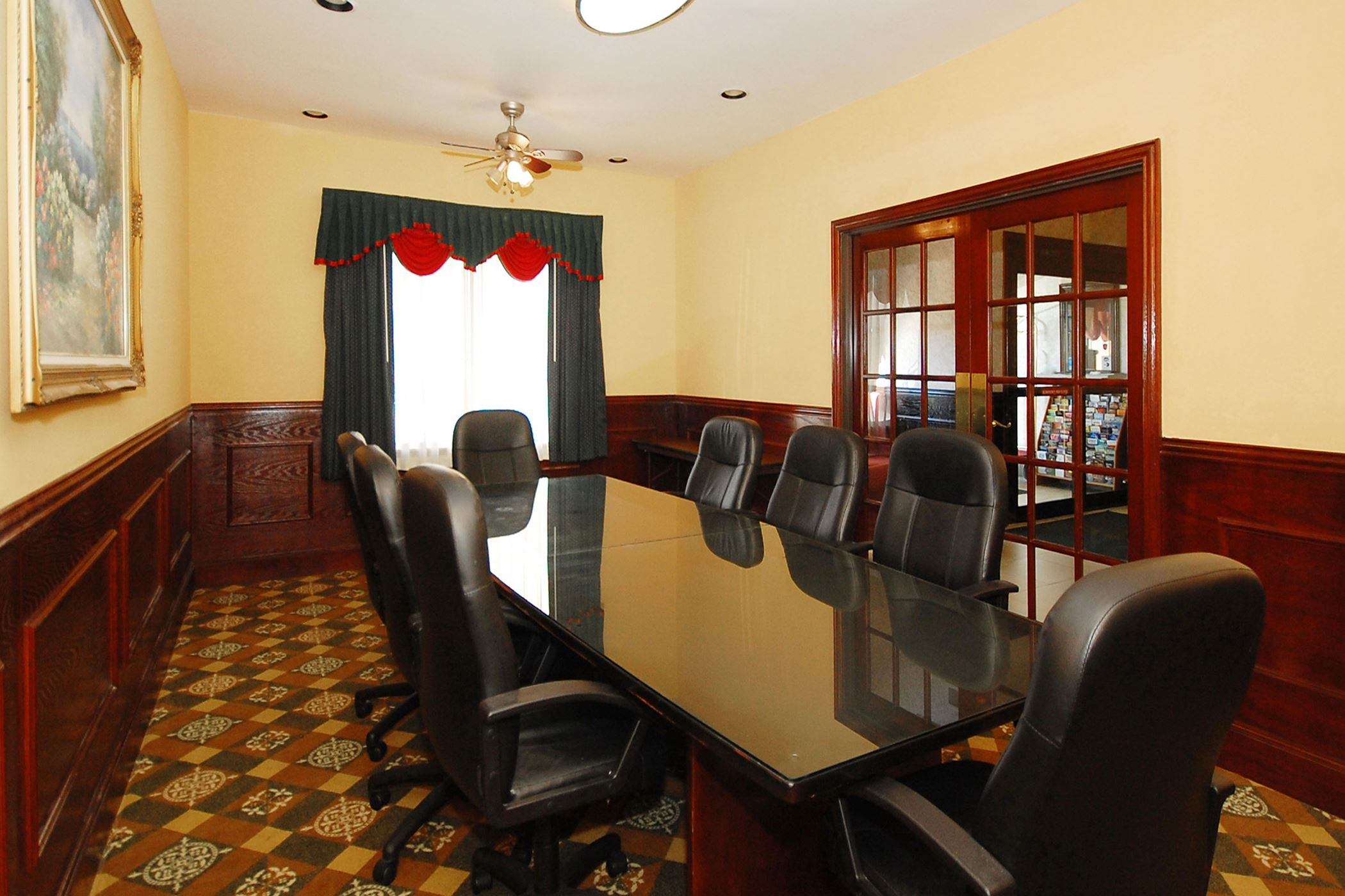 Comfort Suites- meeting room